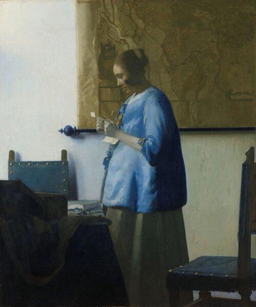 Femme lisant une lettre