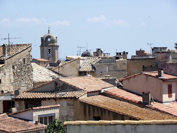 Arles (13) - Les toits