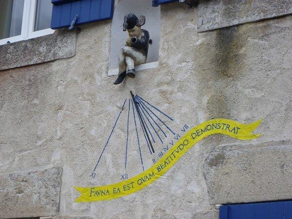 Auray (56) - cadran solaire sur le port de Saint Goustan