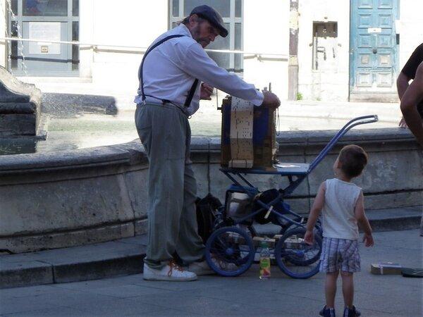 Arles (13) - Rencontre