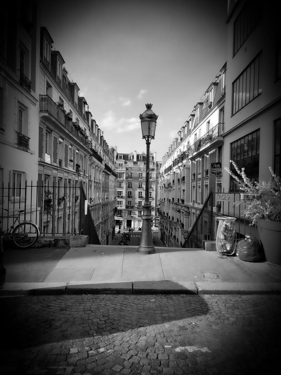 Au détour d'une rue parisienne